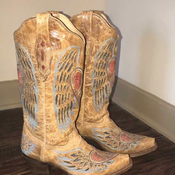 f66ce47573c Women's Corral heart angel wing cowgirl boots